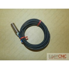 E2E-X3D1-R Omron proximity switch new