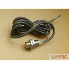 E2E-X7D2-N Omron Proximity switch new