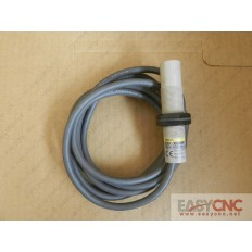 E2K-X8MF1 Omron capacitive proximity sensor used